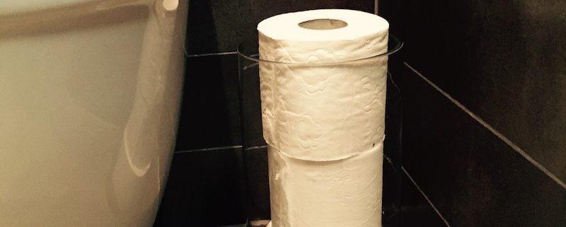 Toalettrullar i en vas