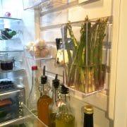 flexibel förvaring på kylskåpsdörren