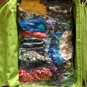 säsongsförvara i resväskan