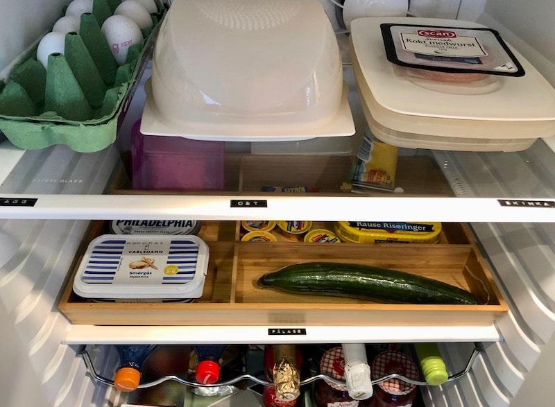 uppmärkt kylskåp