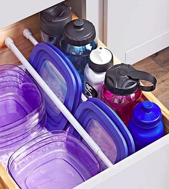 Förvaring av vattenflaskor och matlådor