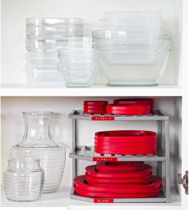 Förvaring av matlådor på hyllavdelare