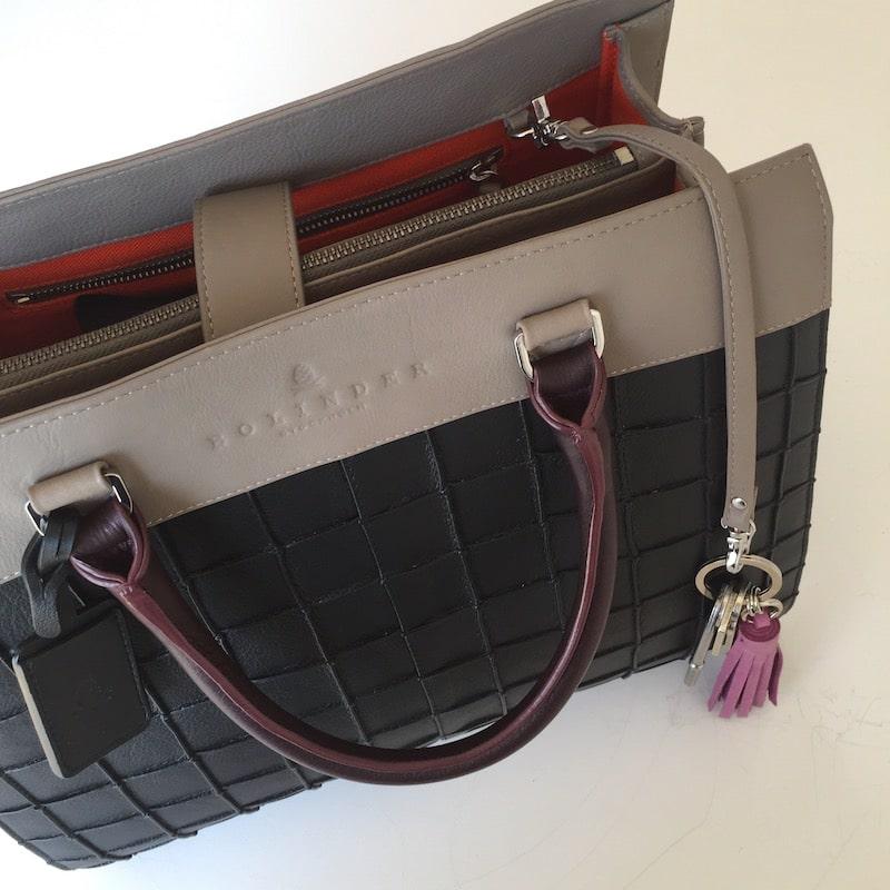 nyckelhållare i handväskan